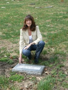 mimi at hillmon gravesite